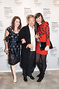 SUZANNE TROCME; JOHN PAWSON; SARAH DOUGLAS, Wallpaper  Design Awards in partner ship with aSton Martin. The Edison, 223-231 Old Marylebone Road, London. 12 January 2011. . This year it is in partnership with Aston Martin.-DO NOT ARCHIVE-© Copyright Photograph by Dafydd Jones. 248 Clapham Rd. London SW9 0PZ. Tel 0207 820 0771. www.dafjones.com.