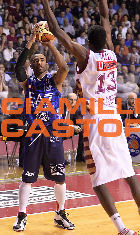 DESCRIZIONE : Venezia campionato serie A 2013/14 Reyer Venezia EA7 Olimpia Milano <br /> GIOCATORE : Keith Langford<br /> CATEGORIA : palleggio<br /> SQUADRA : EA7 Olimpia MIlano<br /> EVENTO : Campionato serie A 2013/14<br /> GARA : Reyer Venezia EA7 Olimpia<br /> DATA : 28/11/2013<br /> SPORT : Pallacanestro <br /> AUTORE : Agenzia Ciamillo-Castoria/A.Scaroni<br /> Galleria : Lega Basket A 2013-2014  <br /> Fotonotizia : Venezia campionato serie A 2013/14 Reyer Venezia EA7 Olimpia  <br /> Predefinita :