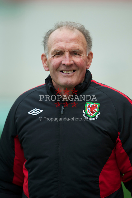 LLANELLI, WALES - Thursday, March 31, 2011: Wales' equipment manager David Williams during the UEFA European Women's Under-19 Championship Second Qualifying Round (Group 3) match against Germany at Parc Y Scarlets. (Photo by David Rawcliffe/Propaganda)