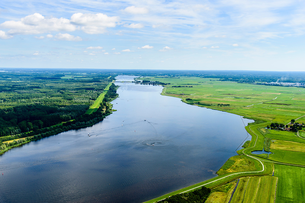 Nederland, Utrecht, Nijkerk, 17-07-2017; Nijkernauw met Zeedijk.<br /> Waterway near Flevoland, one of the great new polders.<br /> luchtfoto (toeslag op standard tarieven);<br /> aerial photo (additional fee required);<br /> copyright foto/photo Siebe Swart