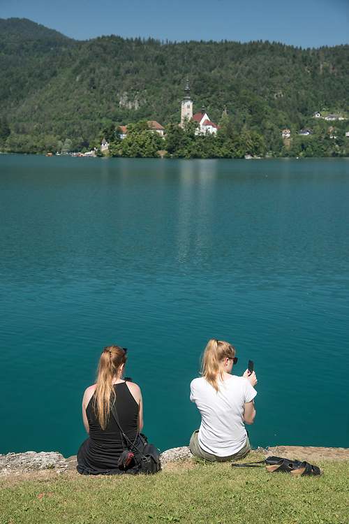 Europe, Balkan, Slovenia, Slovenian, Bled, two women at lake shore