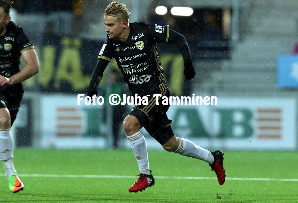 5.4.2017, OmaSP Stadion, Sein&auml;joki.<br /> Veikkausliiga 2017.<br /> Sein&auml;joen Jalkapallokerho - FC Lahti.<br /> Matti Klinga - SJK