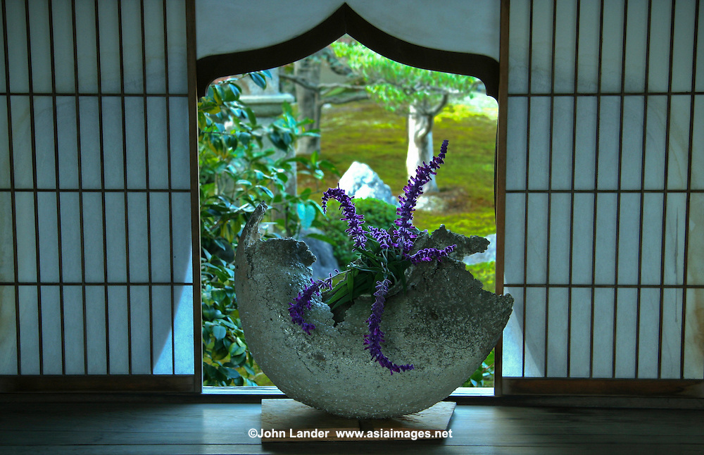 Ikebana Flower Arrangement | John Lander Photography