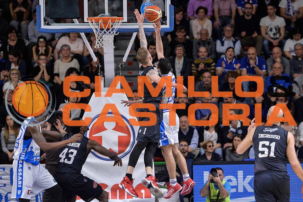 DESCRIZIONE : Beko Legabasket Serie A 2015- 2016 Dinamo Banco di Sardegna Sassari - Pasta Reggia Juve Caserta<br /> GIOCATORE : Rok Stipcevic Micah Downs<br /> CATEGORIA : Tiro Penetrazione Sottomano Controcampo<br /> SQUADRA : Dinamo Banco di Sardegna Sassari<br /> EVENTO : Beko Legabasket Serie A 2015-2016<br /> GARA : Dinamo Banco di Sardegna Sassari - Pasta Reggia Juve Caserta<br /> DATA : 03/04/2016<br /> SPORT : Pallacanestro <br /> AUTORE : Agenzia Ciamillo-Castoria/L.Canu