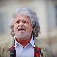 Europee 2014:  lo show di Beppe Grillo a Torino