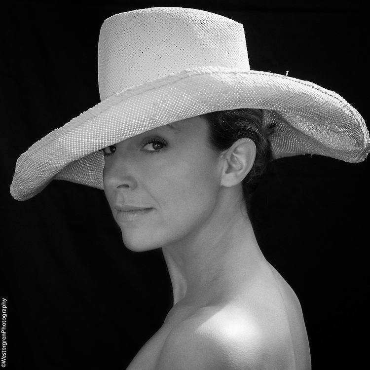 Elgant hat portrait