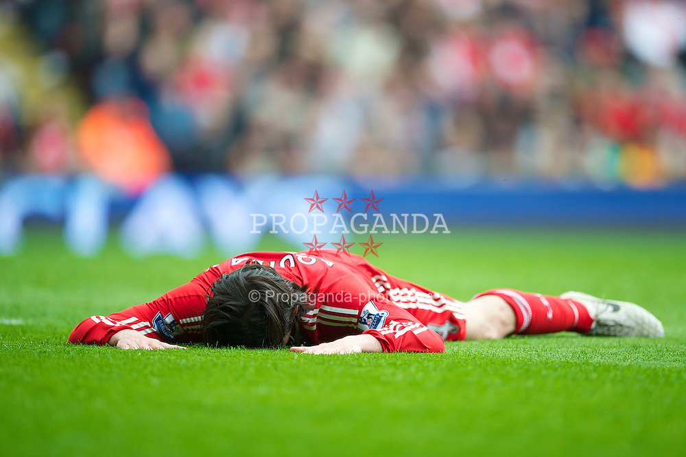 LIVERPOOL, ENGLAND - Sunday, May 2, 2010: Liverpool's Alberto Aquilani rues a missed chance against Chelsea during the Premiership match at Anfield. (Photo by David Rawcliffe/Propaganda)