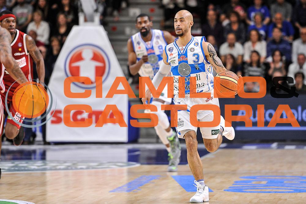 DESCRIZIONE : Campionato 2014/15 Dinamo Banco di Sardegna Sassari - Openjobmetis Varese<br /> GIOCATORE : David Logan<br /> CATEGORIA : Palleggio Contropiede<br /> SQUADRA : Dinamo Banco di Sardegna Sassari<br /> EVENTO : LegaBasket Serie A Beko 2014/2015<br /> GARA : Dinamo Banco di Sardegna Sassari - Openjobmetis Varese<br /> DATA : 19/04/2015<br /> SPORT : Pallacanestro <br /> AUTORE : Agenzia Ciamillo-Castoria/L.Canu<br /> Predefinita :