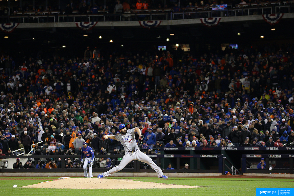 Pitcher Jake Arrieta, Chicago Cubs, pitching during the MLB NLCS Playoffs game two, Chicago Cubs vs New York Mets at Citi Field, Queens, New York. USA. 18th October 2015. Photo Tim Clayton
