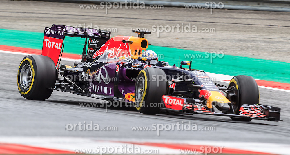 19.06.2015, Red Bull Ring, Spielberg, AUT, FIA, Formel 1, Grosser Preis von Österreich, Training, im Bild Daniel Ricciardo, (AUS, Infiniti Red Bull Racing) // during the Practice of the Austrian Formula One Grand Prix at the Red Bull Ring in Spielberg, Austria, 2015/06/19, EXPA Pictures © 2014, PhotoCredit: EXPA/ JFK