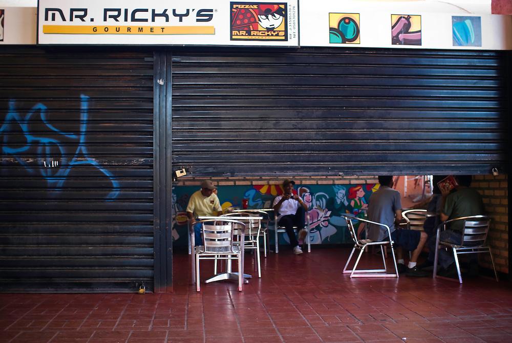 Restaurant de Comida Rapida sin servicio electrico en la Urbanizacion Nueva Casarapa, Guarenas, Estado Miaranda en donde se aprecia la falta del servicio electrico 13-01-2010. Photography by Aaron Sosa