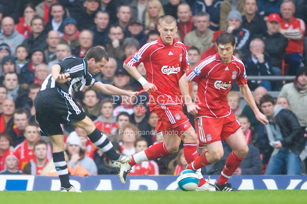 LIVERPOOL, ENGLAND - Saturday, March 8, 2008: Newcastle United's Michael Owen has a shot on goal during the Premiership match at Anfield. (Photo by David Rawcliffe/Propaganda)