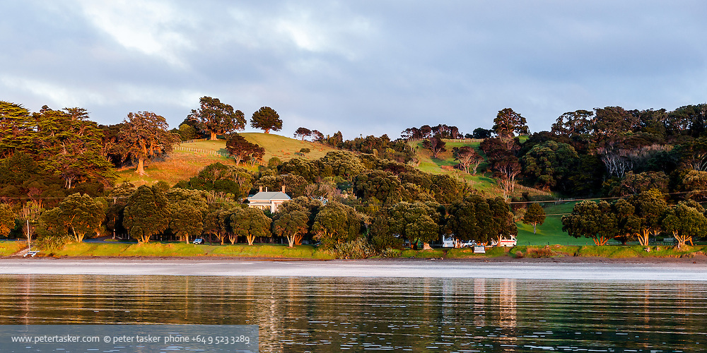 Sunset at Sullivans Bay, Mahurangi Harbour, Hauraki Gulf, New Zealand.