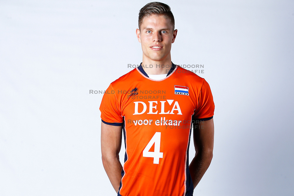 20150506 NED: Selectie Nederlands volleybal team mannen, Arnhem<br />Op Papendal werd het Nederlands team volleybal seizoen 2015-2016 gepresenteerd / Thijs ter Horst <br />©2015-FotoHoogendoorn.nl / Pim Waslander