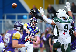 17.05.2015, Hohe Warte, Wien, AUT, BIG6, AFC Vienna Vikings vs Schwaebisch Hall Unicorns, im Bild Alexander Thury (AFC Vienna Vikings, QB, #15) // during the BIG6 game between AFC Vienna Vikings vs Schwaebisch Hall Unicorns at the Hohe Warte, Wien, Austria on 2015/05/17. EXPA Pictures © 2015, PhotoCredit: EXPA/ Thomas Haumer