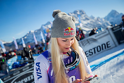 20.01.2018, Olympia delle Tofane, Cortina d Ampezzo, ITA, FIS Weltcup Ski Alpin, Abfahrt, Damen, im Bild Siegerin Lindsey Vonn (USA) // Winner Lindsey Vonn of the USA during the Winner Award Ceremony of ladie' s downhill of the Cortina FIS Ski Alpine World Cup at the Olympia delle Tofane course in Cortina d Ampezzo, Italy on 2018/01/20. EXPA Pictures © 2018, PhotoCredit: EXPA/ Dominik Angerer