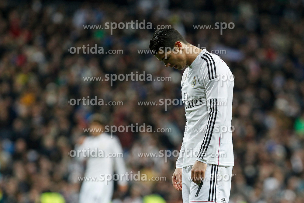 14.02.2015, Estadio Santiago Bernabeu, Madrid, ESP, Primera Division, Real Madrid vs Deportivo La Coruna, 23. Runde, im Bild Real Madrid´s Cristiano Ronaldo regrets his performance // during the Spanish Primera Division 23rd round match between Real Madrid vs Deportivo La Coruna at the Estadio Santiago Bernabeu in Madrid, Spain on 2015/02/14. EXPA Pictures © 2015, PhotoCredit: EXPA/ Alterphotos/ Victor Blanco<br /> <br /> *****ATTENTION - OUT of ESP, SUI*****