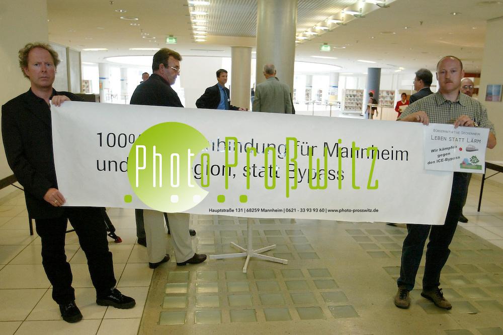 Mannheim. Stadthaus. N1. Schienenkonferenz mit Mehdorn<br /> <br /> Bild: Pro&szlig;witz