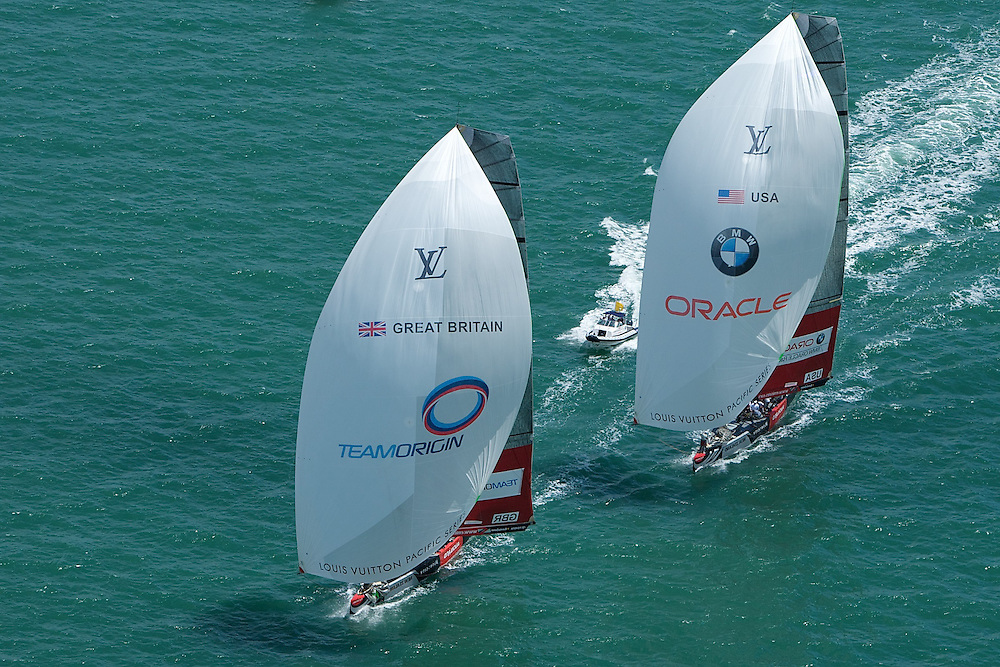 NEW ZEALAND, Auckland, 6th February 2009, Louis Vuitton Pacific Series, TEAMORIGIN vs BMW Oracle Racing, TEAMORIGIN lead BMW Racing during leg two.