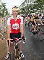 Prudential RideLondonSurrey100. ExRugby player Matt Dawson<br /> Prudential RideLondon, the world's greatest festival of cycling, involving 70,000+ cyclists – from Olympic champions to a free family fun ride - riding in five events over closed roads in London and Surrey over the weekend of 9th and 10th August. <br /> <br /> Photo: Roger Allen for Prudential RideLondon<br /> <br /> See www.PrudentialRideLondon.co.uk for more.<br /> <br /> For further information: Penny Dain 07799 170433<br /> pennyd@ridelondon.co.uk