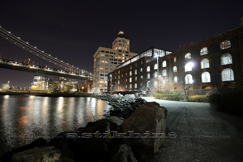 Empire Stores in Empire-Fulton Ferry State Park at night.