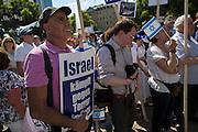 Frankfurt am Main | 17 July 2014<br /> <br /> Solidarit&auml;tsdemo f&uuml;r Israel, f&uuml;r Frieden und f&uuml;r das Ende der Angriffe der Hamas auf dem Opernplatz vor der Alten Oper in Frankfurt am Main, hier: Plakat &quot;Israel k&auml;mpft gegen den Terror in Gaza&quot;. <br /> <br /> &copy; peter-juelich.com