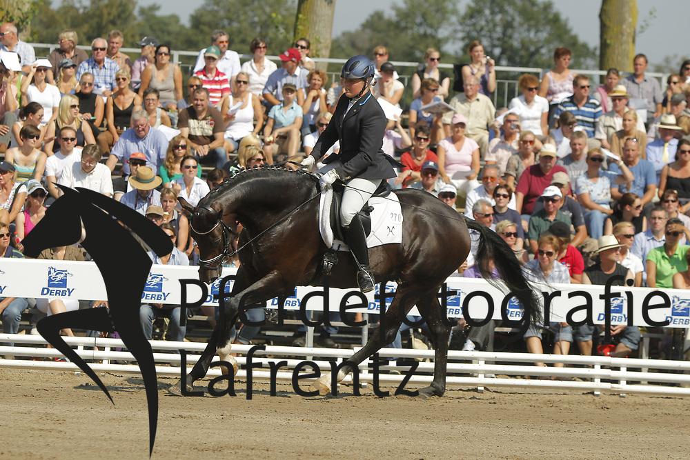 FRIELING Sandra, Dantander Hit<br /> Warendorf Bundeschampionate - 2011<br /> <br /> (c) www.sportfotos-Lafrentz. de/Stefan Lafrentz