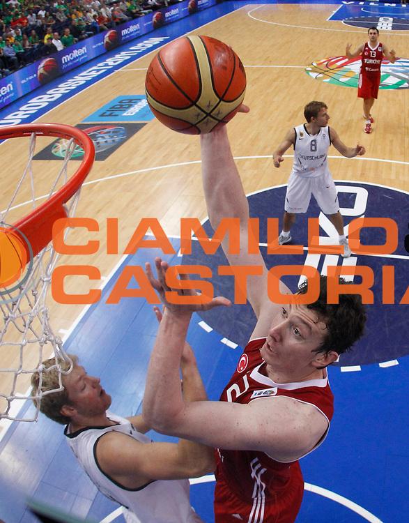 DESCRIZIONE : Vilnius Lithuania Lituania Eurobasket Men 2011 Second Round Germania Turchia Germany Turkey<br /> GIOCATORE : <br /> CATEGORIA : <br /> SQUADRA : Germania Turchia Germany Turkey<br /> EVENTO : Eurobasket Men 2011<br /> GARA : Germania Turchia Germany Turkey<br /> DATA : 09/09/2011<br /> SPORT : Pallacanestro <br /> AUTORE : Agenzia Ciamillo-Castoria/M.Metlas<br /> Galleria : Eurobasket Men 2011<br /> Fotonotizia : Vilnius Lithuania Lituania Eurobasket Men 2011 Second Round Germania Turchia Germany Turkey<br /> Predefinita :