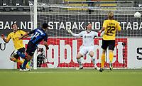Fotball , 21. juni  2009 , Tippeligaen , Stabæk - Start 5-0<br /> <br /> Her scorer Daniel Nannskog ,  Stabæk på Kenneth Høie , Start . Branislav Milicevic oh Leif Otto Paulsen , Staret kan lite gjøre