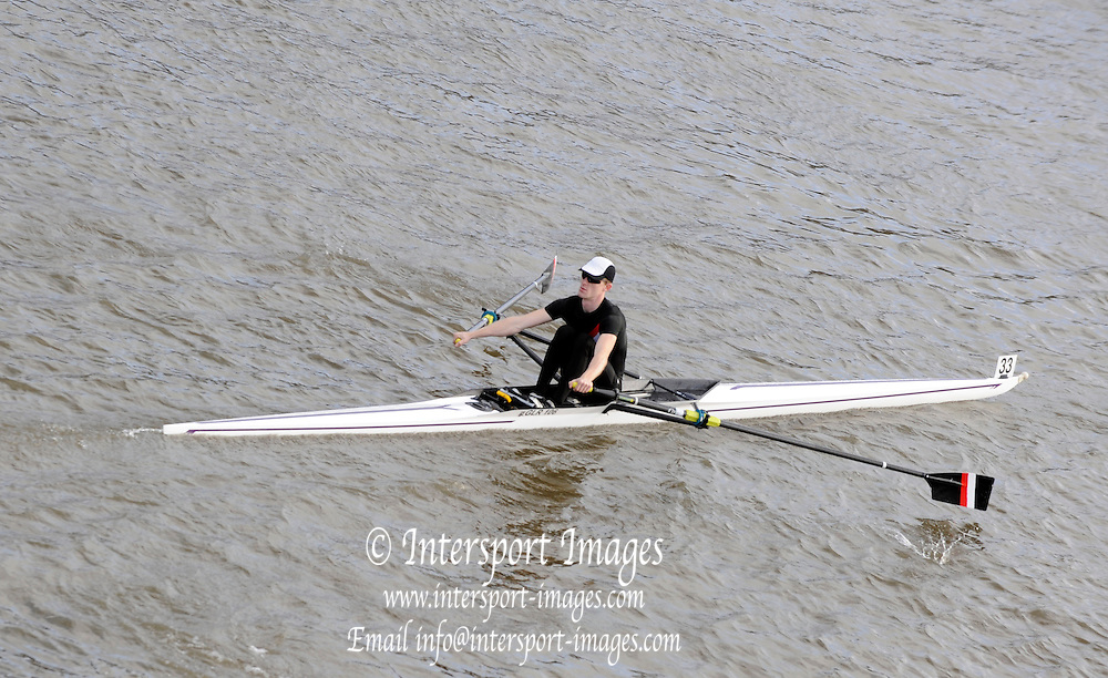 London, Great Britain,  B. RODFORD, Gloucester RC, passes under Chiswick Bridge at the start of the 2009 Scullers Head of the River Race, raced over the Championship Course, Mortlake to Putney, on the River Thames. 12:41:01  Saturday  28/11/2009,  [Mandatory Credit: © Peter Spurrier/Intersport Images]