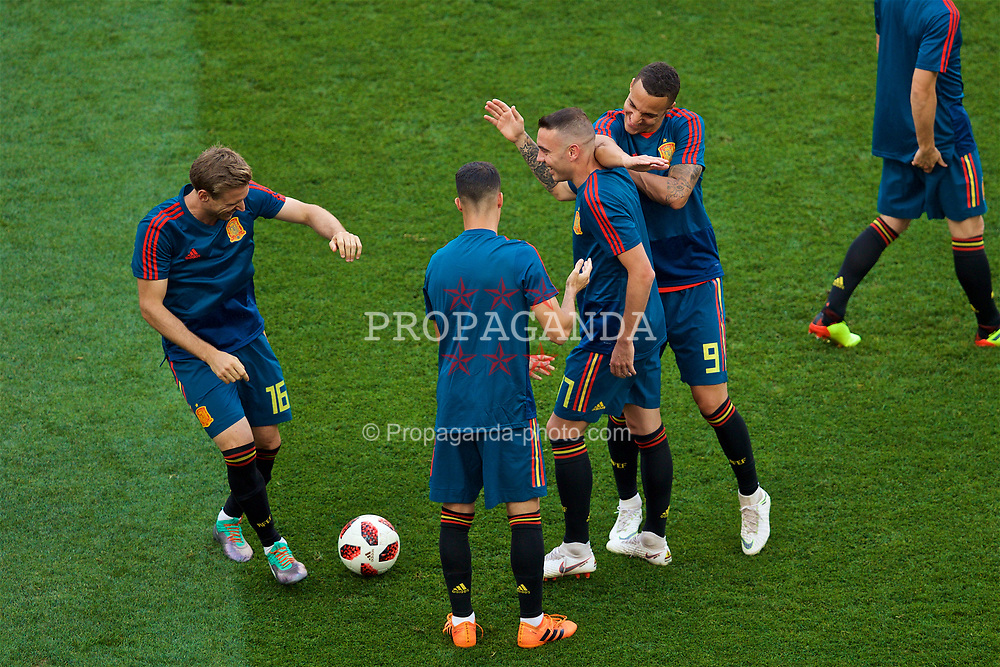 MOSCOW, RUSSIA - Sunday, July 1, 2018: Spain players during the pre-match warm-up before the FIFA World Cup Russia 2018 Round of 16 match between Spain and Russia at the Luzhniki Stadium. (Pic by David Rawcliffe/Propaganda)