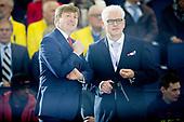 Koning Willem-Alexander opent Thialf ijsstadion