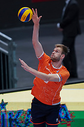 10-08-2019 NED: FIVB Tokyo Volleyball Qualification 2019 / Belgium - Netherlands, Rotterdam<br /> Third match pool B in hall Ahoy between Belgium vs. Netherlands (0-3) for one Olympic ticket / Luuc van der Ent #5 of Netherlands