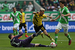 Football: Germany, 1. Bundesliga, VfL Wolfsburg - Borussia Dortmund (BVB), Wolfsburg - 16.05.2015,<br /> Torwart Diego Benaglio (Wolfsburg) - Kevin Kampl (Dortmund) , Timm Klose (Wolfsburg) <br /> <br /> &copy; pixathlon<br /> <br /> +++ NED out !!! +++