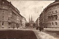 Zagreb : Ulica Račkog = Rue Rački. <br /> <br /> ImpresumZagreb : Orient, [1929].<br /> Materijalni opis1 razglednica : tisak ; 8,8 x 13,8 cm.<br /> NakladnikNaklada Orient<br /> Mjesto izdavanjaZagreb<br /> Vrstavizualna građa • razglednice<br /> ZbirkaGrafička zbirka NSK • Zbirka razglednica<br /> Formatimage/jpeg<br /> PredmetZagreb –– Ulica Franje Račkoga<br /> SignaturaRZG-RACK-2<br /> Obuhvat(vremenski)20. stoljeće<br /> NapomenaRazglednica je putovala 1929. godine.<br /> PravaJavno dobro<br /> Identifikatori000954700<br /> NBN.HRNBN: urn:nbn:hr:238:356048 <br /> <br /> Izvor: Digitalne zbirke Nacionalne i sveučilišne knjižnice u Zagrebu