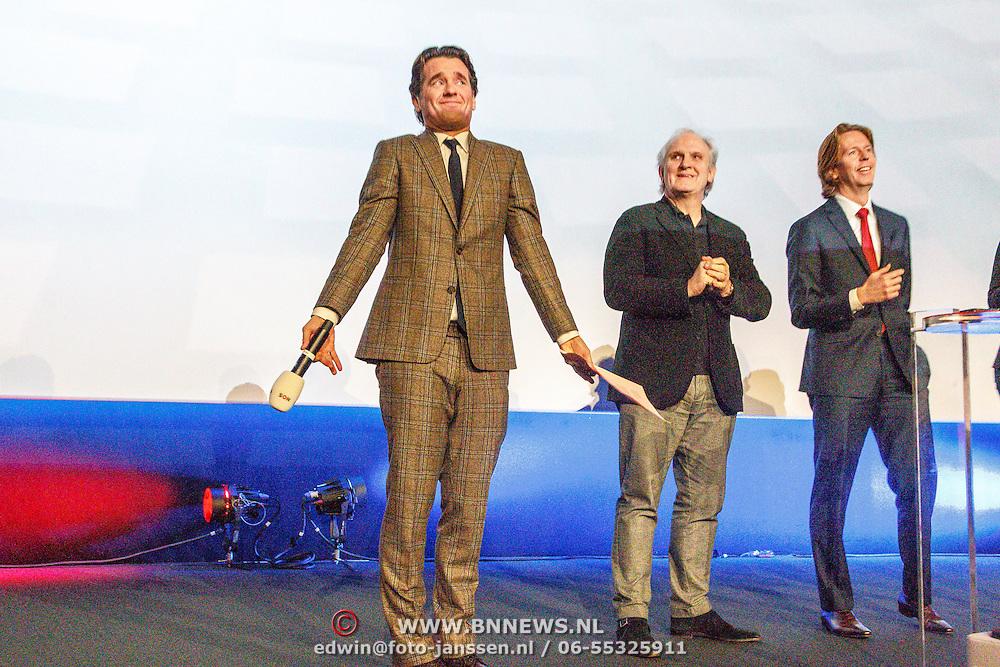 NLD/Hilversum/20160110 - NOS Journaal bestaat60 jaar en viert dit met Festival van het Nieuws, Rik van de Westelaken, burgemeester van Hilversum Pieter Broertjes, directeur Nos Jan de Jong