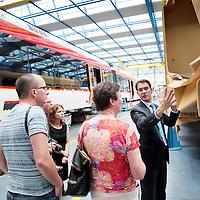 Zwitserland, Winterthur, 15 juli 2015.,<br /> Arriva gaat met de trein naar Zwitserland. Meemogen naast een aantal bobo's ook treinpassagiers die zich op de site van Arriva hadden aangemeld. De bedoeling is dat deze reizigers en daar moet natuurlijk ook de nadruk op liggen in Zwitserland in treintoestellen allerlei dingen , zoals stoelen en andere zaken gaan testen en beoordelen.<br /> Op de foto: in de fabrieken van Stadler buiten Winterthurkrijgen de Limburgse gasten een rondleiding en uitleg omtrent de contructie van de treinen.<br /> <br /> <br /> Foto: Jean-Pierre Jans