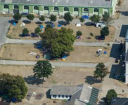THEMENBILD - Luftaufnahmen des Asyl-Erstaufnahmezentrums in Traiskirchen. Aufgenommen am 08.08.2015 in Traiskirchen, Österreich // air photos of the asylum processing centre in Traiskirchen. Austria on 2015/08/08. EXPA Pictures © 2015, PhotoCredit: EXPA/ Michael Gruber