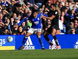 David Davis of Birmingham City battles for the ball with Ahmed Elmohamady of Aston Villa - Mandatory by-line: Paul Roberts/JMP - 29/10/2017 - FOOTBALL - St Andrew's Stadium - Birmingham, England - Birmingham City v Aston Villa - Skybet Championship