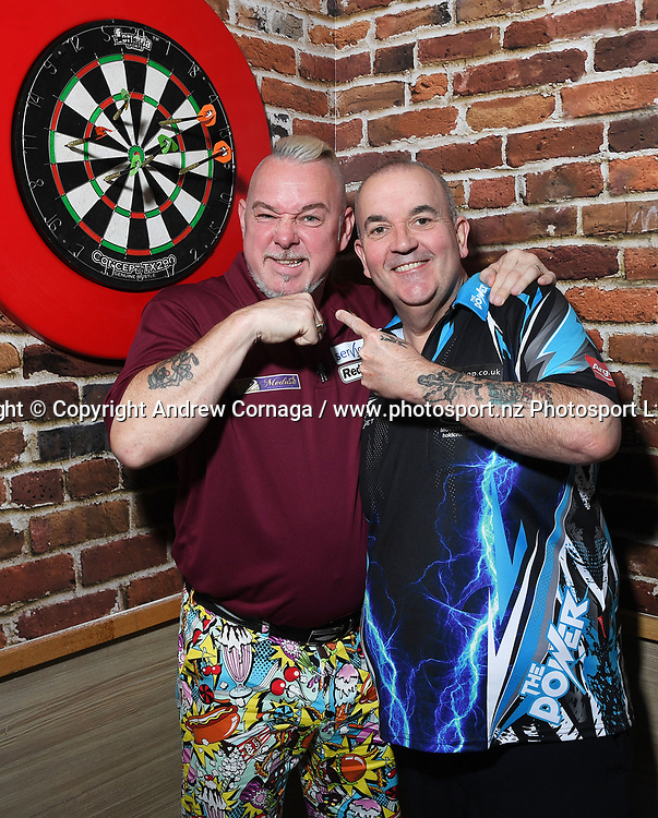 England's Peter Wright aka Snakebite with Phil &quot; the power&quot; Taylor.<br /> Auckland Darts Masters press conference and draw. Professional Darts Corporation (PDC). Burger King, Auckland, New Zealand. Thursday 10 August 2017. &copy; Copyright photo: Andrew Cornaga / www.photosport.nz