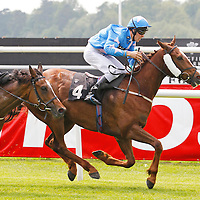 Reaction and Harry Poulton winning the 2.00 race