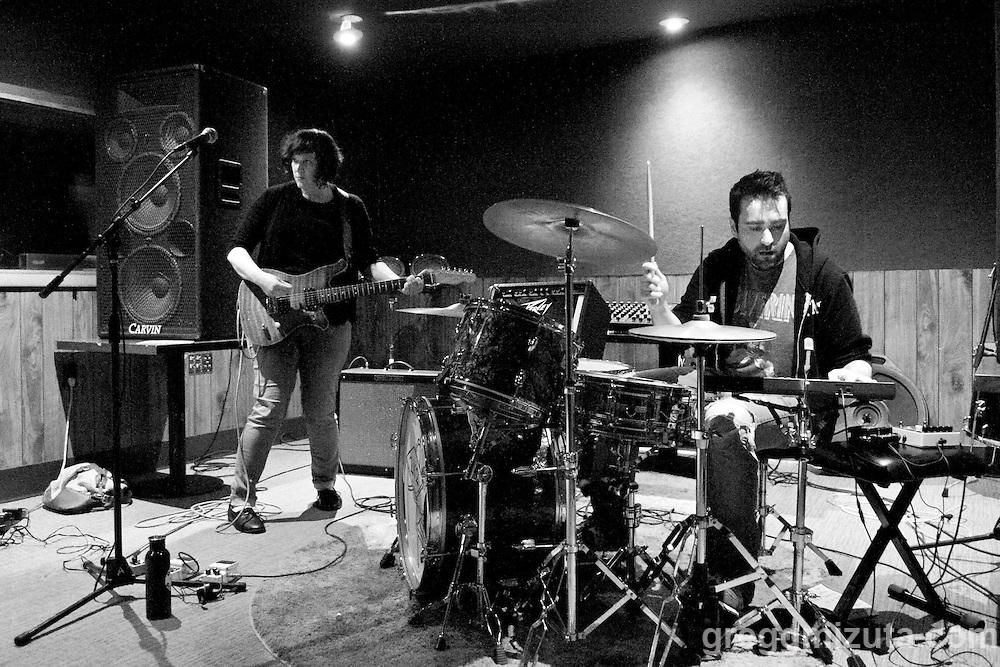 2x2 (Gia Trotter and Robert Reeves) performs at the Boise Hive during Wild Love Preserve's Wild Freedom on April 24, 2016 in Boise, Idaho. (Gregg Mizuta/greggmizuta.com)<br /> <br /> Three Gunas, Ryan Curtis, Tag Along Friend, 2x2, Phonetic, Fleet Street Klezmer Band, Bijouxx, a.k.a. Belle, Idyltime, Brett Netson, Tracy Morrison, Julia &amp; the Jumpscares.