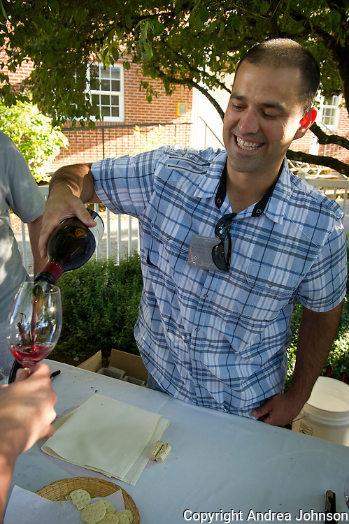 Jeff Kandarian, King Estate, pouring at 2011 IPNC