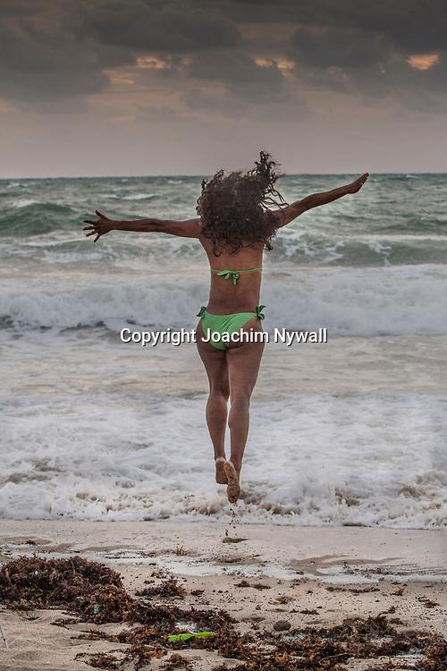 20151122 Fort Lauderdale  Florida USA <br /> Morgon yoga p&aring;<br /> FT Lauderdale beach<br /> <br /> <br /> FOTO : JOACHIM NYWALL KOD 0708840825_1<br /> COPYRIGHT JOACHIM NYWALL<br /> <br /> ***BETALBILD***<br /> Redovisas till <br /> NYWALL MEDIA AB<br /> Strandgatan 30<br /> 461 31 Trollh&auml;ttan<br /> Prislista enl BLF , om inget annat avtalas.