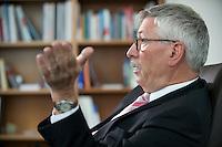 21 MAY 2008, BERLIN/GERMANY:<br /> Thilo Sarrazin, SPD, Finanzsenator Berlin, waehrend einem Interview in seinem Buero Senatsverwaltung fuer Finanzen<br /> IMAGE: 20080521-01-015
