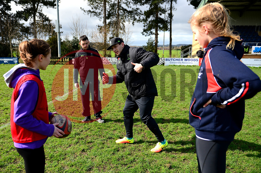Ryan Mills and Worcester Warriors players and community coaches deliver coaching sessions at Stourbridge RFC  - Mandatory by-line: Dougie Allward/JMP - 19/03/2017 - Rugby - Stourbridge RFC - Stourbridge, England - Worcester Warriors Community Rugby