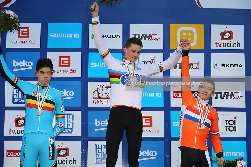 CZECH REPUBLIC / TSJECHIE / TABOR / CYCLING / WIELRENNEN / CYCLISME / VELDRIJDEN / CYCLOCROSS / WORLD CHAMPIONSHIPS CYCLOCROSS 2015 / WERELDKAMPIOENSCHAP VELDRIJDEN 2015 / CHAMPIONNAT DU MONDE 2015 / ELITE / PODIUM / (L-R) VAN AERT WOUT (BEL) / VAN DER POEL MATHIEU (NED) / VAN DER HAAR LARS (NED) /