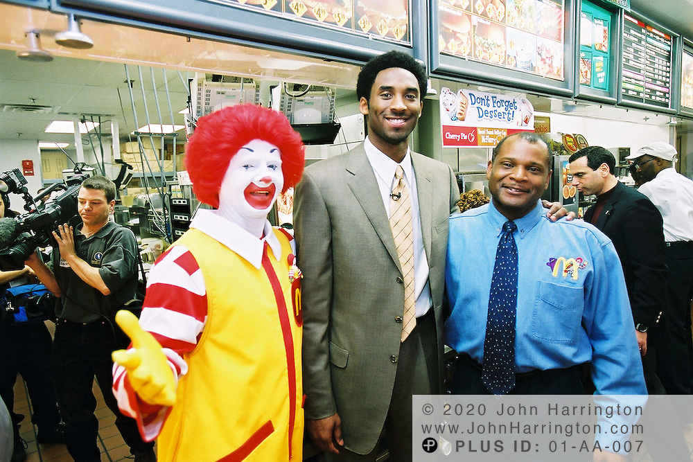 Los Angeles Lakers star guard Kobe Bryant pays a visit to a DC McDonalds on Sunday February 11, 2001.