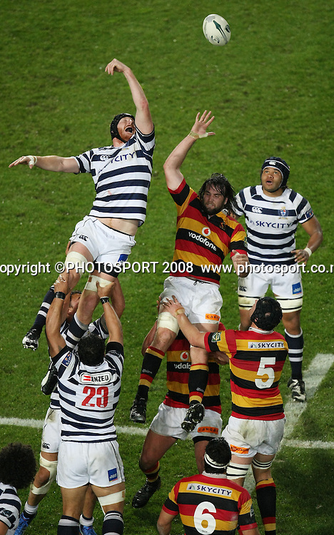 Auckland's Jay Williams gets high in a lineout against Toby Lynn. Air NZ Cup, Waikato v Auckland, Waikato Stadium, Hamilton, Saturday 30 August 2008. Photo: Stephen Barker/PHOTOSPORT