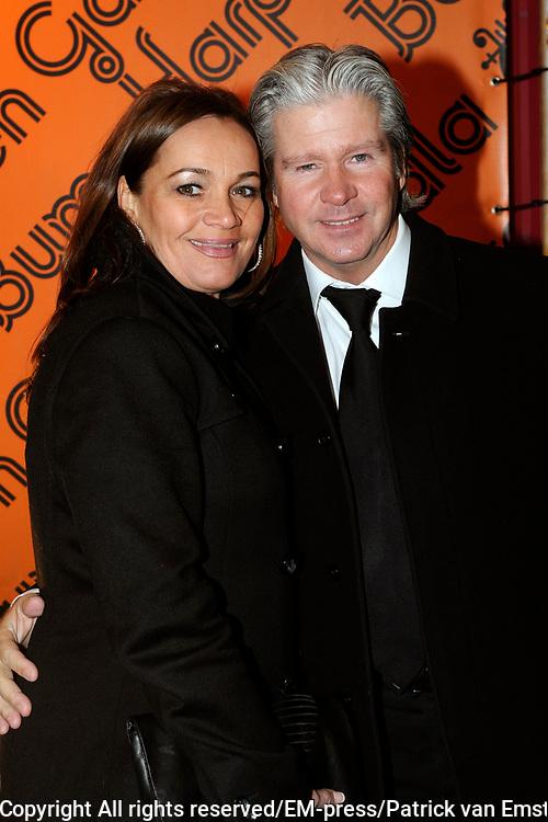 Buma Harpen Gala 2011 AWARDS vanuit de Vredenburg Leidsche Rijn , Utrecht.<br /> <br /> Op de foto:  Dries Roelvink en partner Honoria